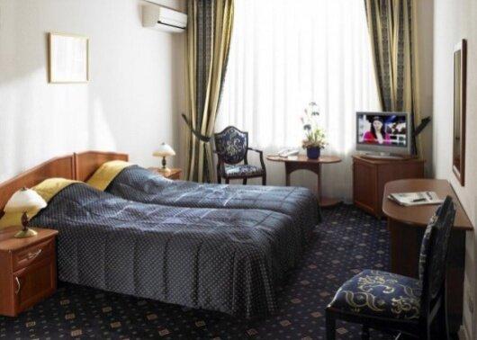 Отель Вест
