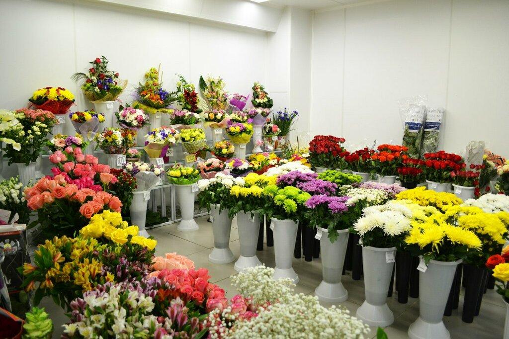 Цветочная база, букеты цветов с доставкой по москве