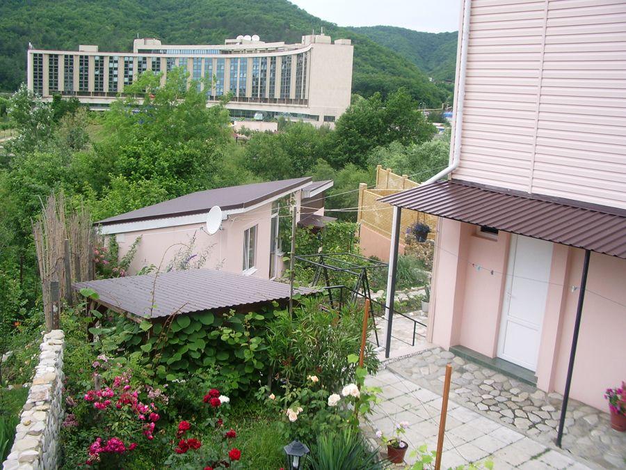 небуг гостевой дом альпийская горка фото многое зависит