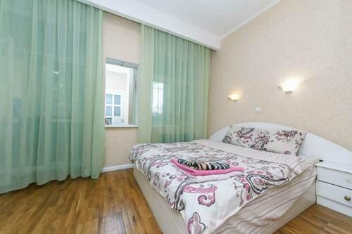 Apartments on Gonchara 14