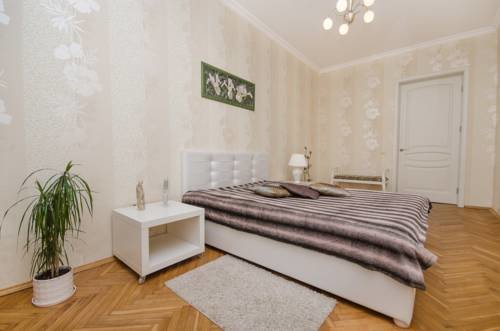 жильё посуточно — Molnar Apartments Kupaly 11 — Минск, фото №1