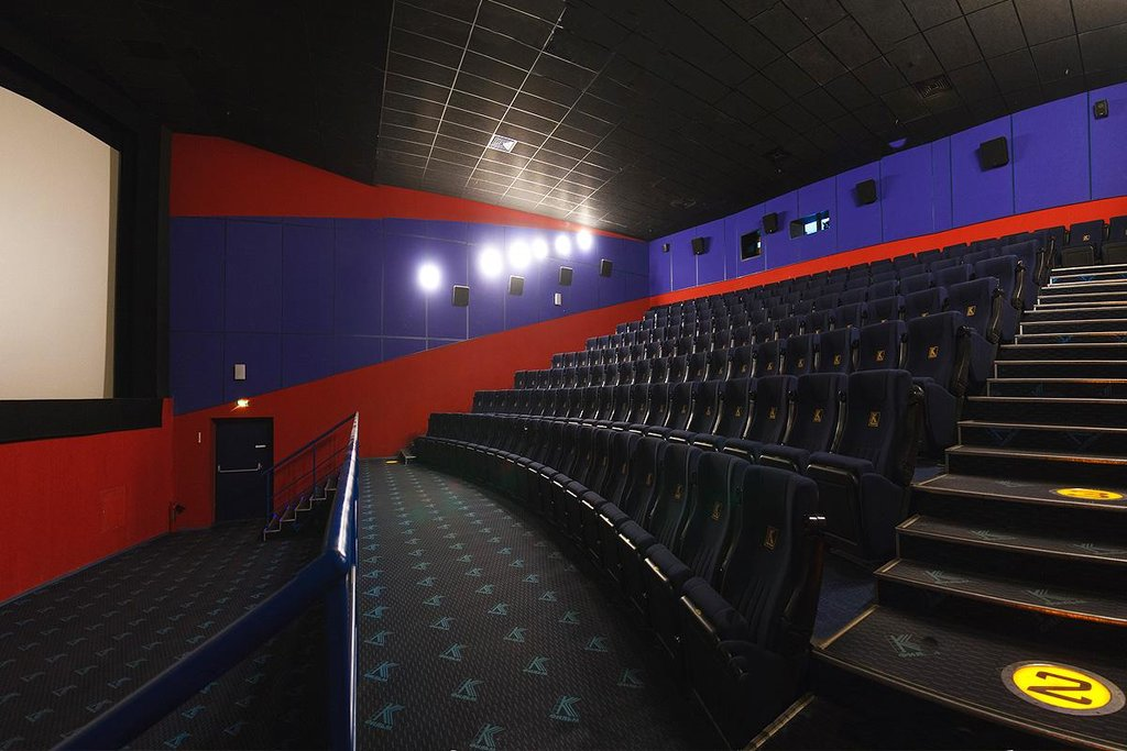 такие веселые фото залов кинотеатра в маркос молл приходится слышать