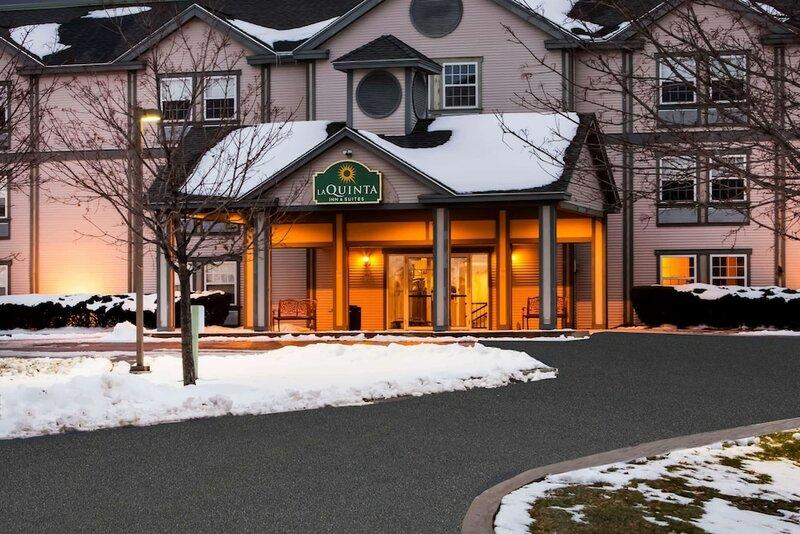 La Quinta Inn & Suites by Wyndham St. Albans
