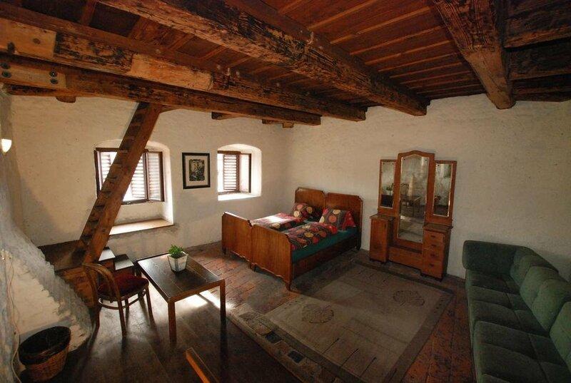 Hostel 99