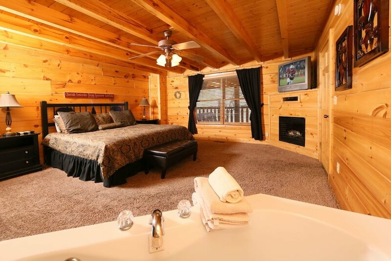 Sweet Surrender 1 Br cabin by RedAwning