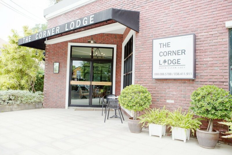 The Corner Lodge