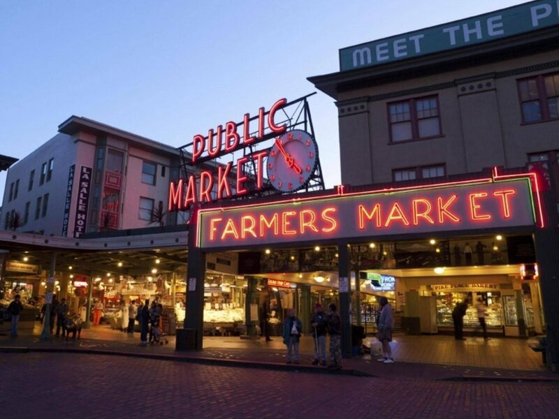 Newmark Pike Place Market Retreat - Two Bedroom Apartment with City VI