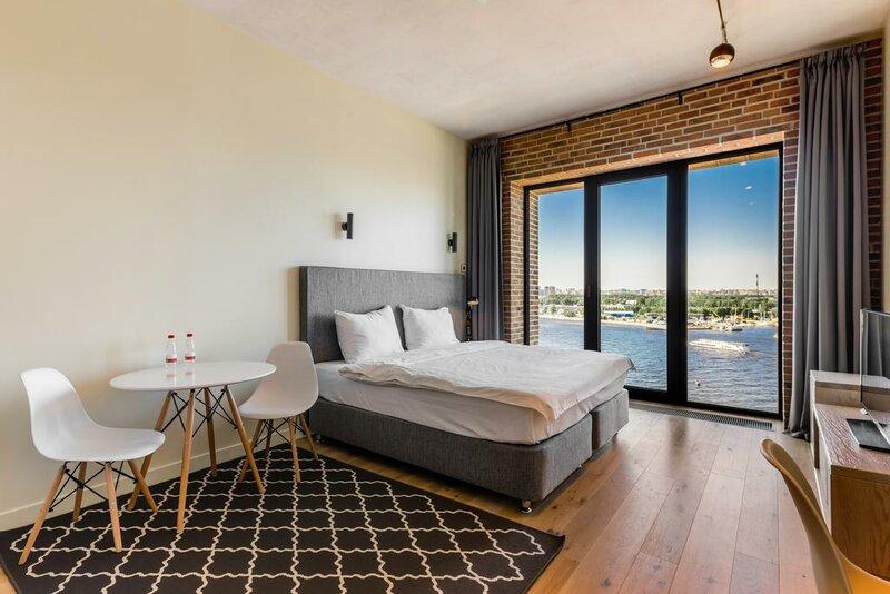 Docklands aparthotel