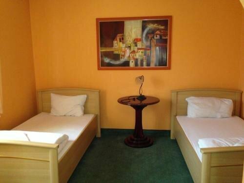 Alföld Hotel