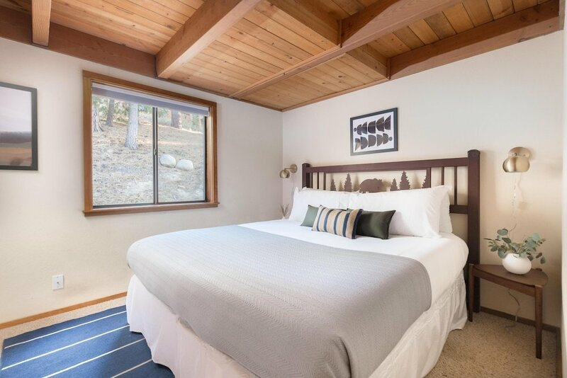 Redwood by AvantStay Secluded Cabin 2 Large Decks w Views & SPA