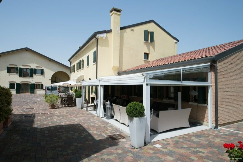 Hotel Venice Resort Airport