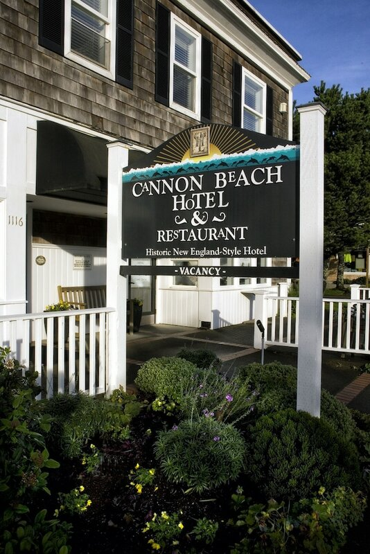 Cannon Beach Hotel