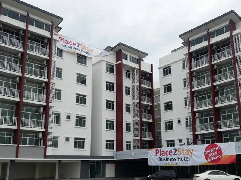 Place2stay Business Hotel At Emart Riam