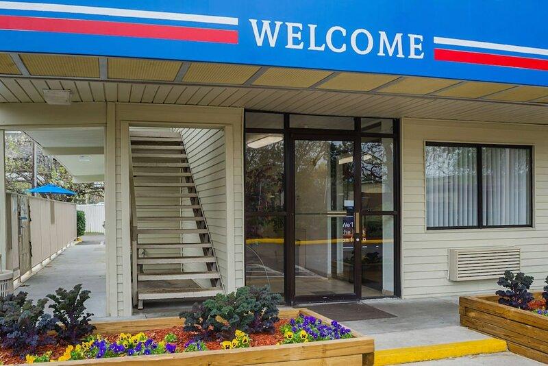 Motel 6 Charleston, Sc - South