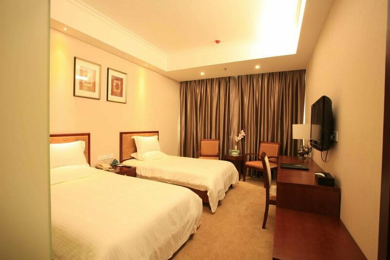 Vatica ChaoYang the East of Railway Station XinHua Road Hotel