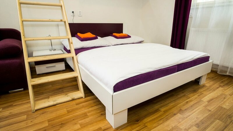 Flying Bed Apartment close to Castle