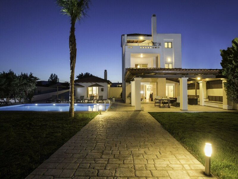 Villa on Island With Private Pool, Garde, Terrace, Parking