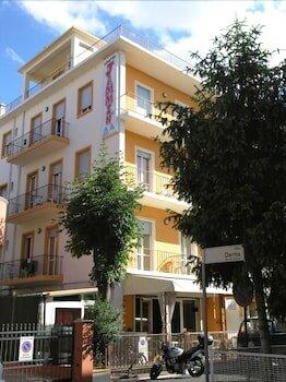 Jammin' Hostel & Bar