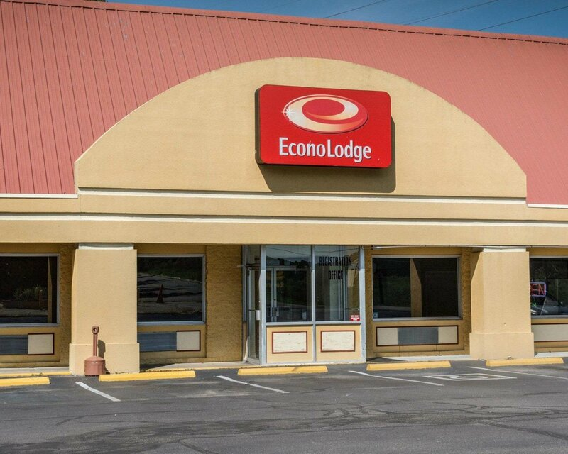 Econo Lodge Colonial Heights I-95