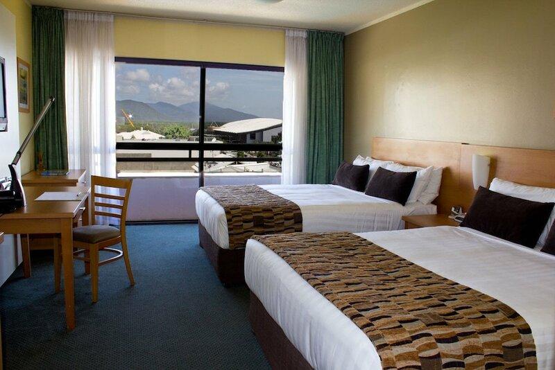Reef Plaza Hotel