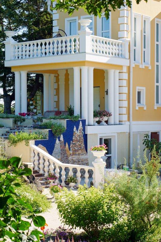 Amur Resort