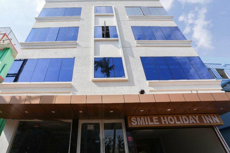 Spot On 66662 Smile Holiday Inn 2