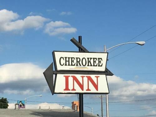 Cherokee Casino Inn - Roland