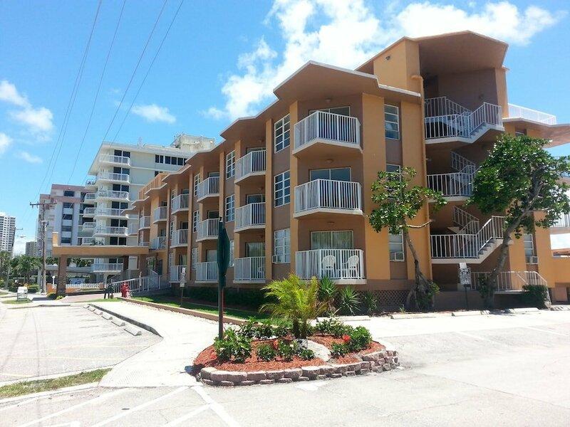 The Seaspray Inn & Beach Resort