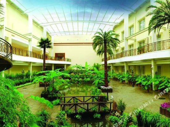 Hydrus Hotel