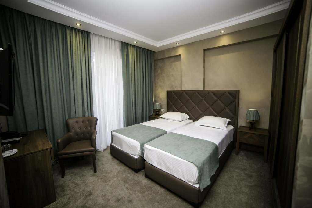 гостиница — Grand Hotel Mimino — Тбилиси, фото №1