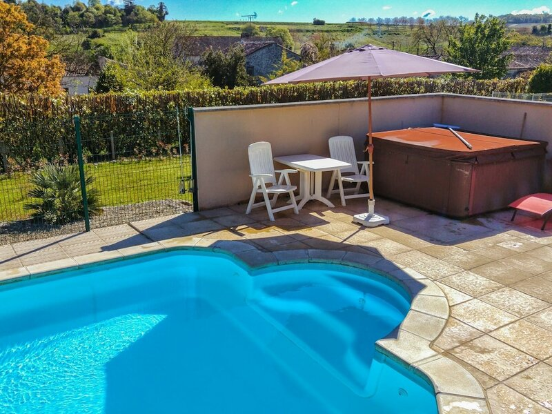 Cosy Apartment in Segonzac With Swimming Pool