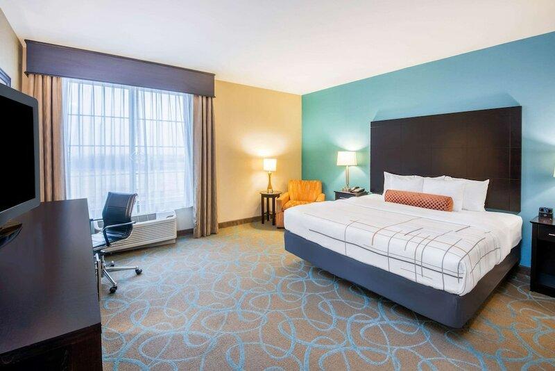 La Quinta Inn & Suites by Wyndham Clinton Historic Route 66