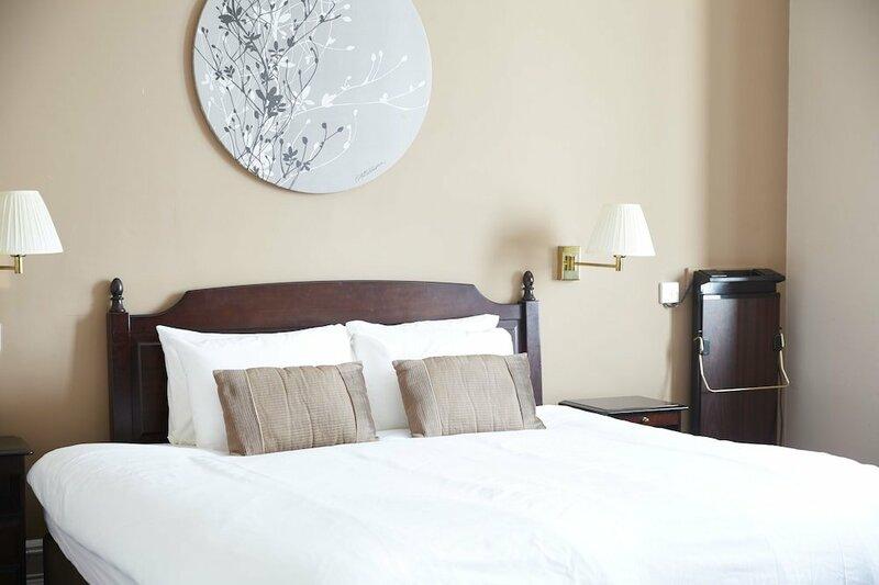 The Hampton Hotel by Greene King Inns