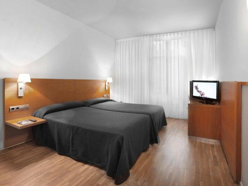 Отель Onix Rambla