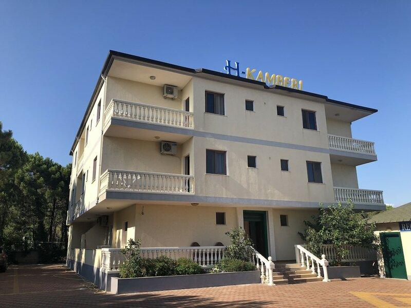 Hotel Kamberi A