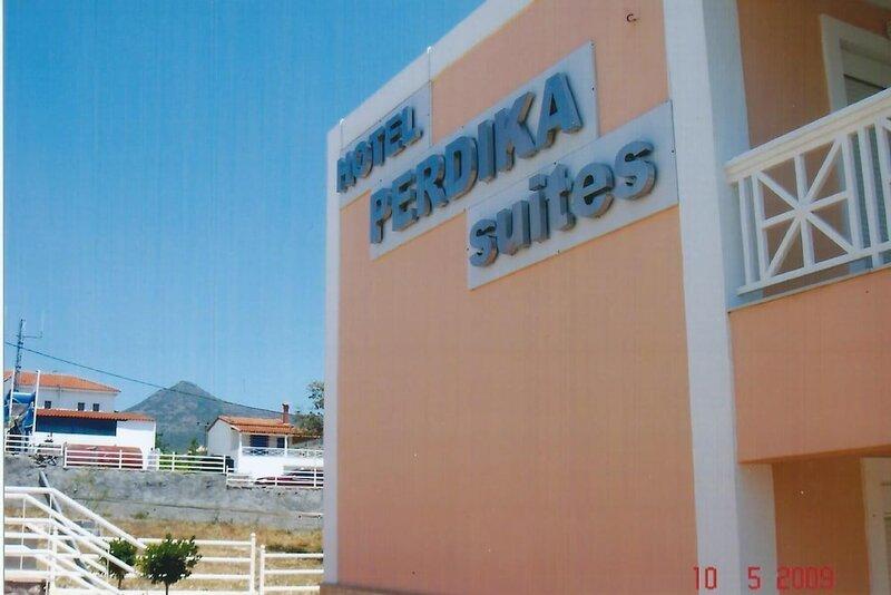 Perdika Suites