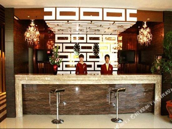 Super 8 Hotel Shihezi Shi Ji Guang Chang