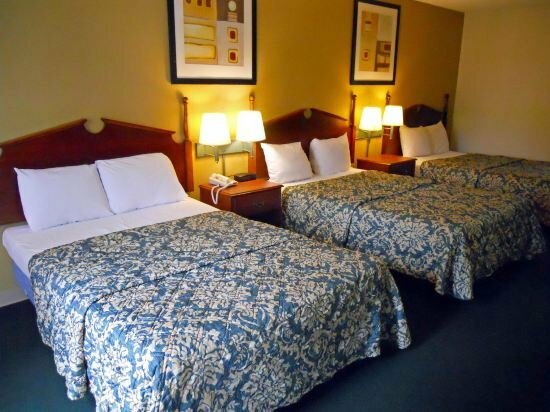 Country Hearth Inn and Suites Dawson