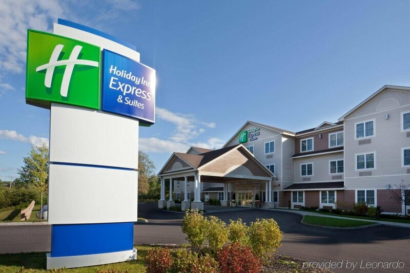 Holiday Inn Express And Suites Tilton Lakes R