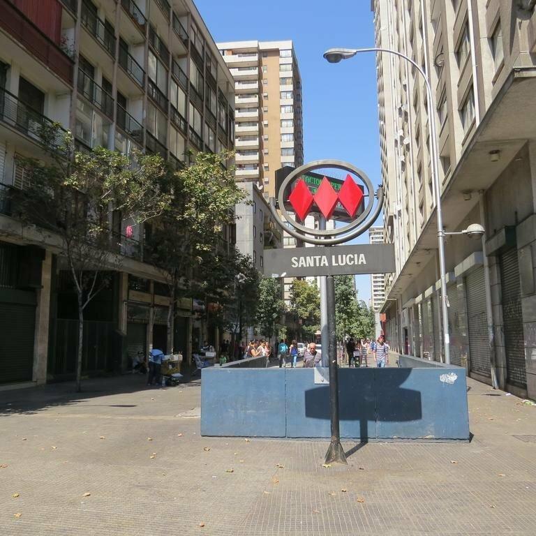 Santiago Metro Santa Lucia