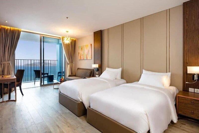 Cc Panorama Hotel
