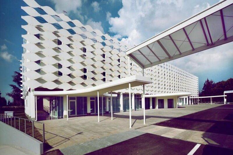 Mo. Om Hotel