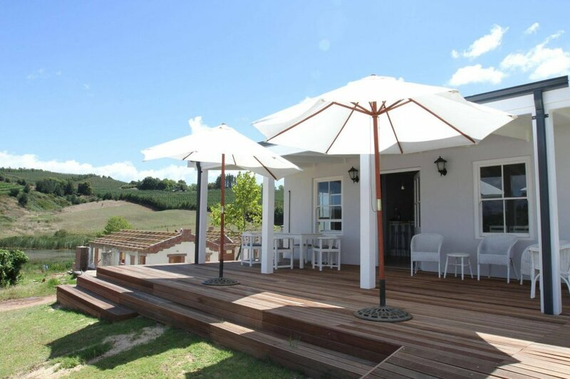 Paul Wallace Wines and Guest Cottages