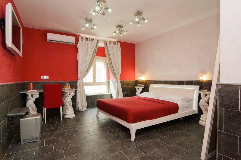Covo degli Angioini - Town House Suites