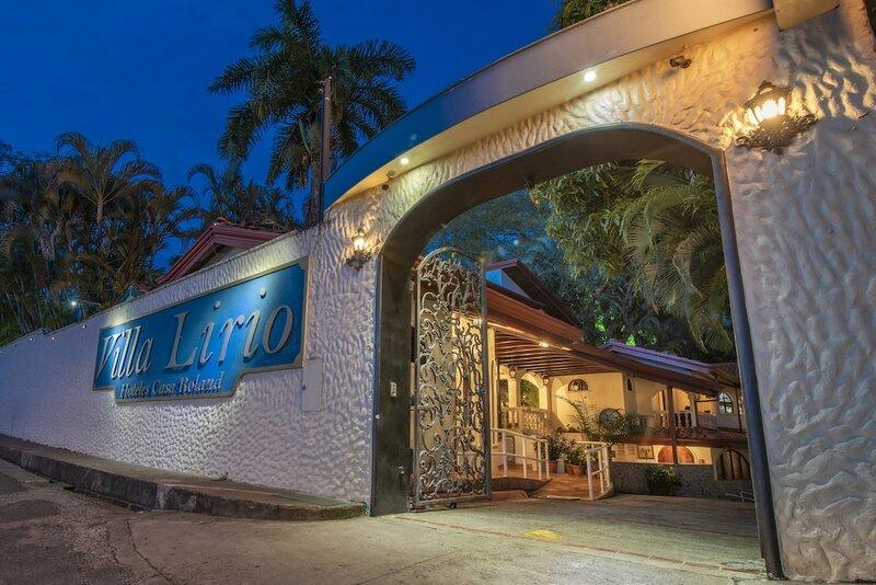 Hotel Villas Lirio