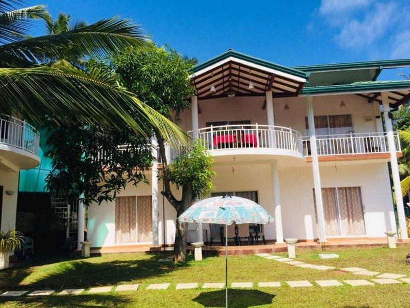 Отель Yoho Lake View Resort