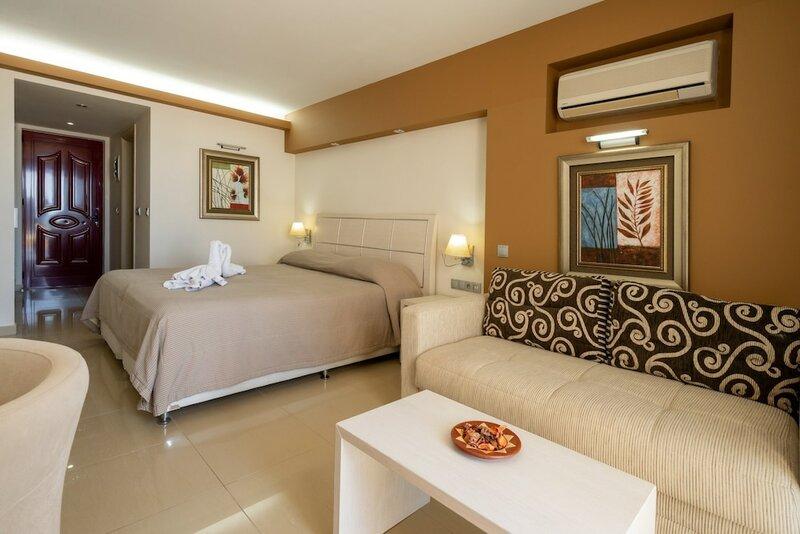 Kamari Beach Hotel - All inclusive
