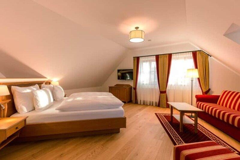 Hotel & Gaststätte zum Erdinger Weißbräu