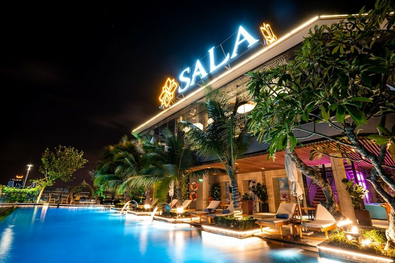 Отель Sala Danang Beach