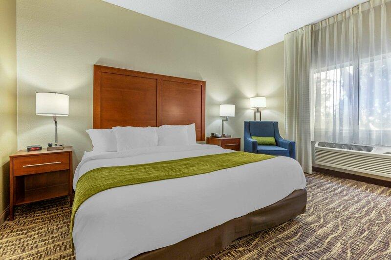 Comfort Inn & Suites Phoenix North Deer Valley